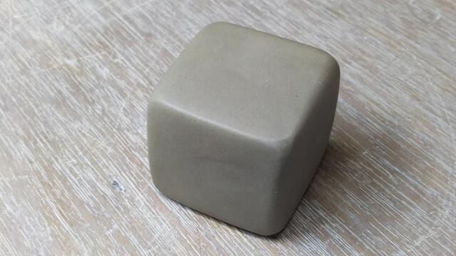 手びねりで作るブロックの作り方