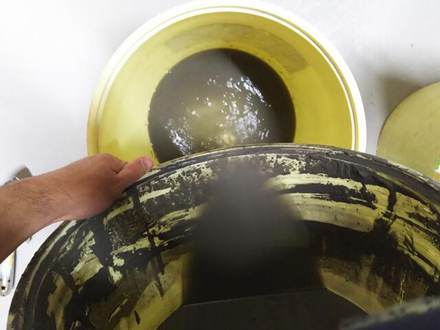 【釉薬】陶芸のプロが教える固まった釉薬を混ぜる方法